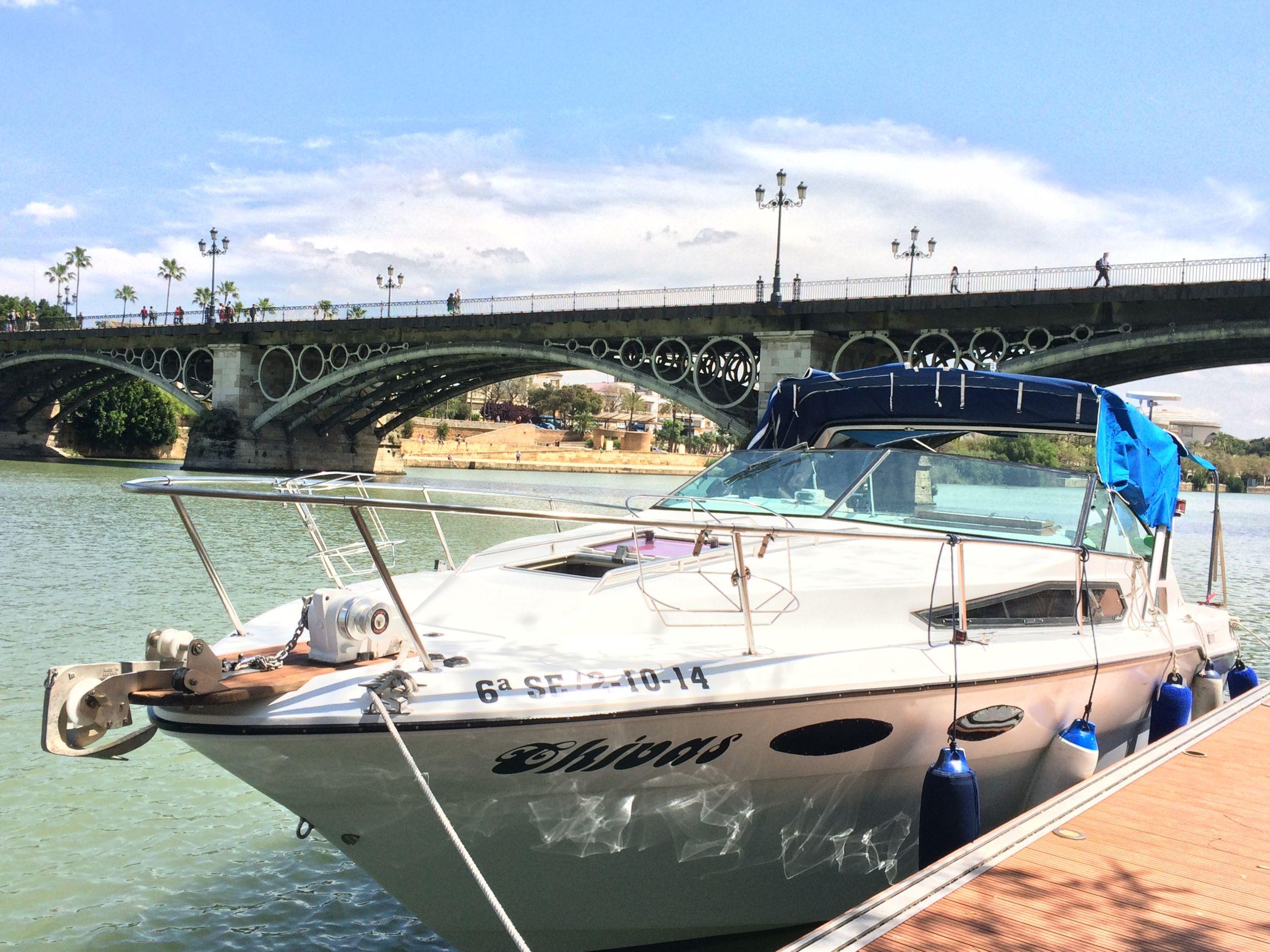 boat party sevilla