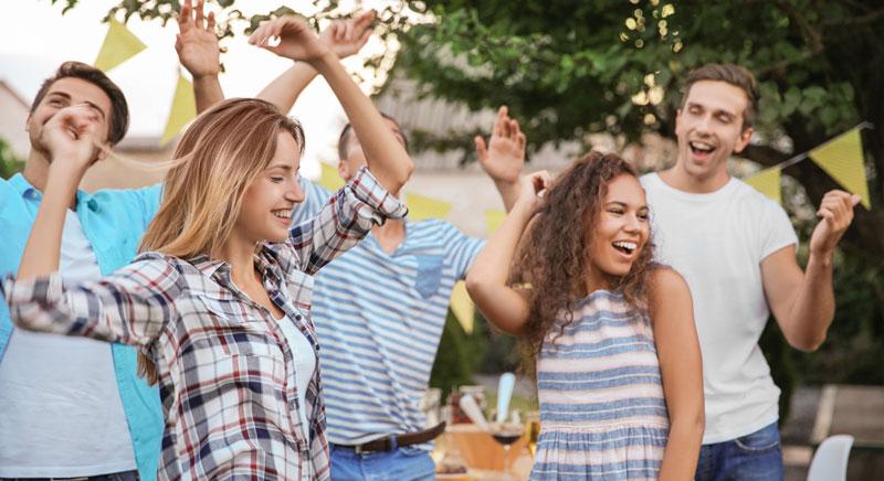 fiesta de empresa en verano al aire libre verano sevilla