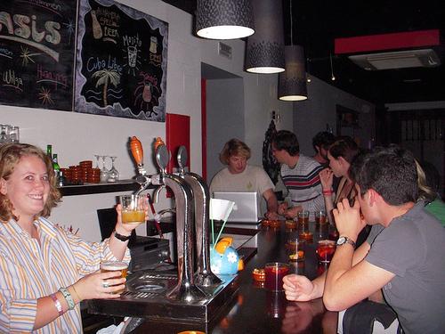 bar oasis hostel sevilla